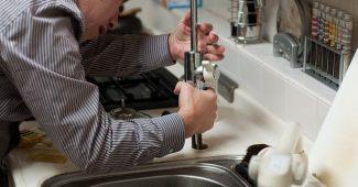 professionnel de la plomberie